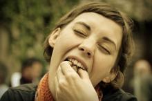 Girl Eating - Yumbles Foodpreneurs